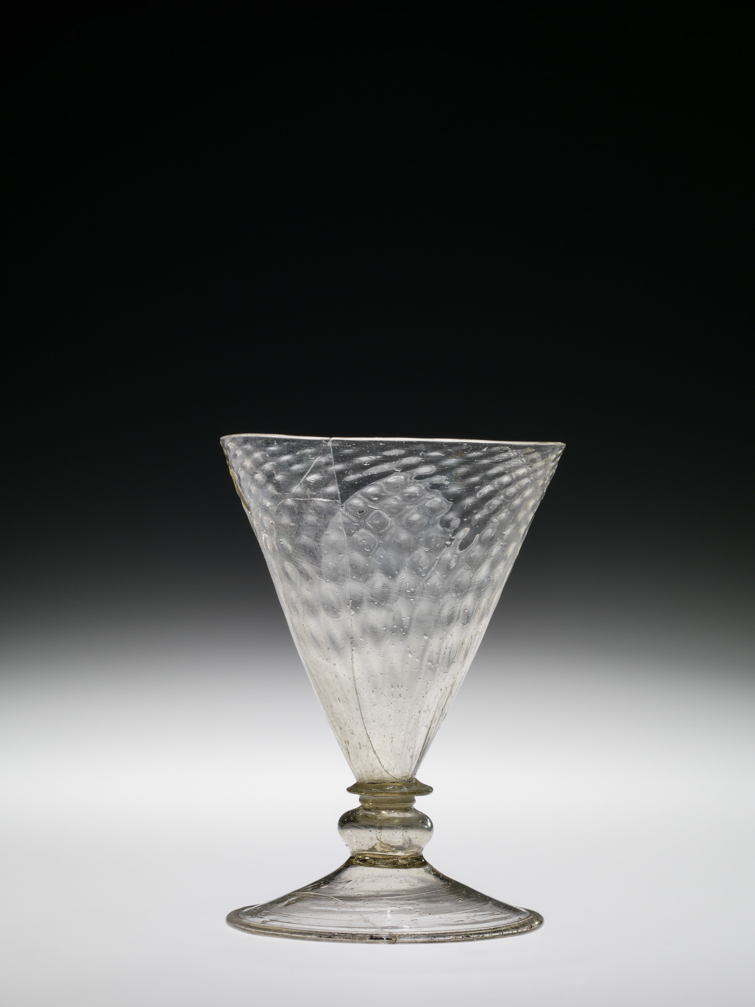 Three-bubble Cup with Pineapple Dip Molding