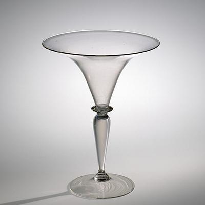 Classic Flared Wineglass